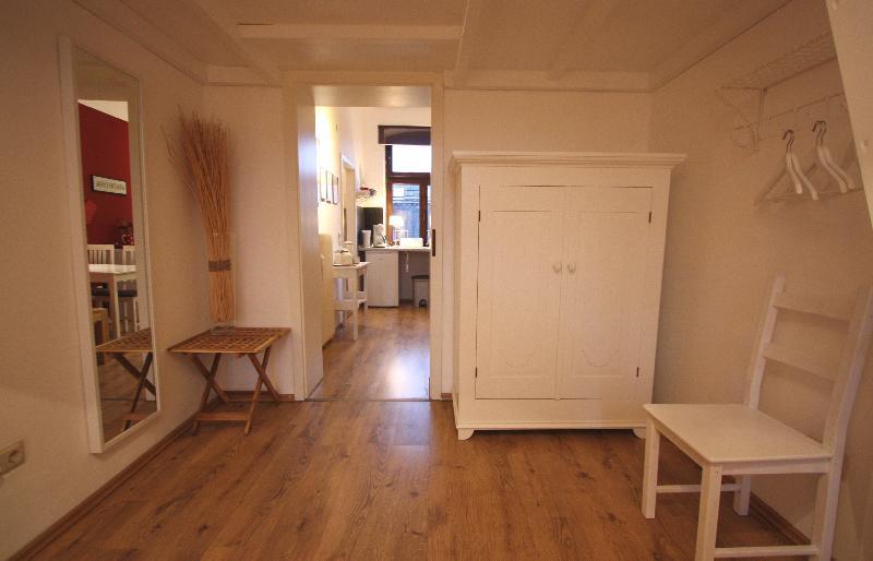 wohnen auf zeit rispro gmbh immobilien und. Black Bedroom Furniture Sets. Home Design Ideas
